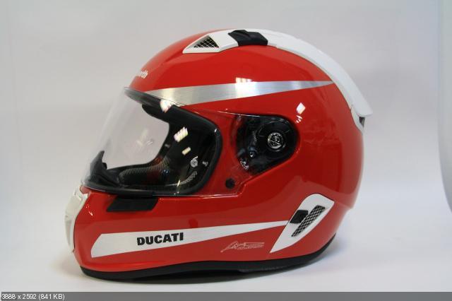 Специальный шлем Schuberth SR1 ко дню рождения Фернандо Алонсо