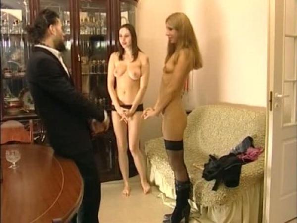Две обалденных русских девушки проходят суровый кастинг / Roxana (2007) DVDRip