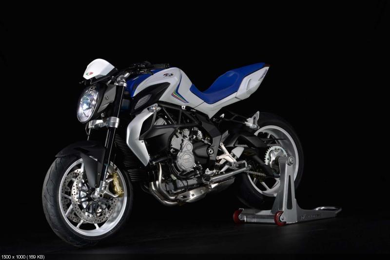 Студийные фотографии мотоцикла MV Agusta Brutale 800 2013